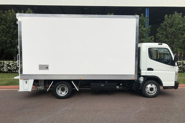 2020 FUSO CANTER 515 WIDE null null null