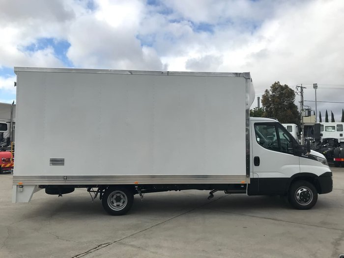 2020 IVECO DAILY 70C17 WITH 5M PANTECH null null White