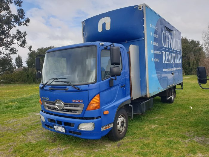 2011 HINO FC 1022 null null BLUE