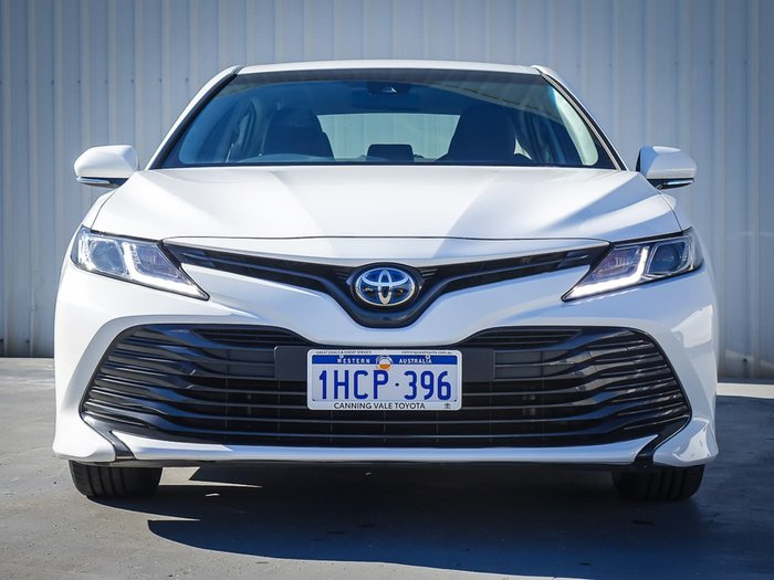 2018 Toyota Camry Ascent AXVH71R White