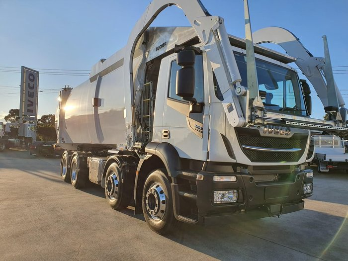 2020 IVECO ACCO E6 8X4 WITH BUCHER FORCE 335 FRONT LOADER null null white