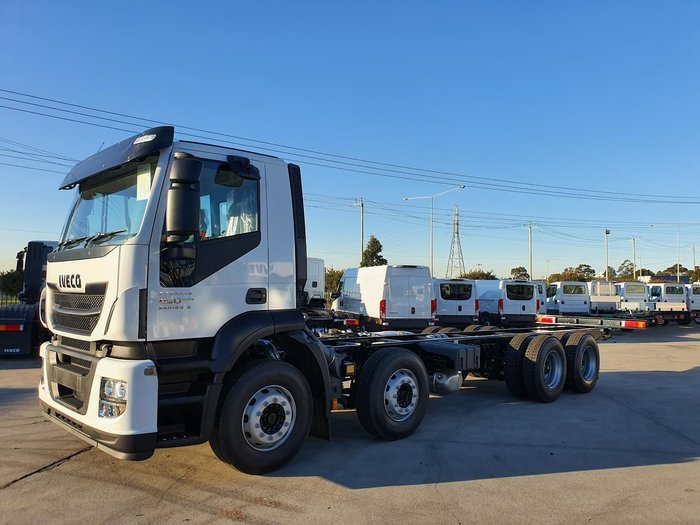 2019 IVECO STRALIS AD 8X4 450HP 16SPD AMT - 6M WB null null White