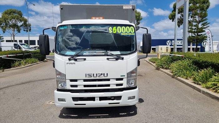 2012 ISUZU FRR500 8 PALLET WHITE