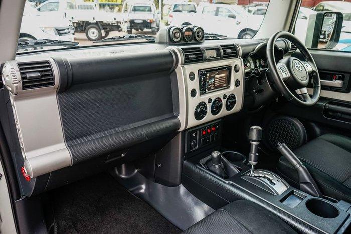 2013 Toyota FJ Cruiser GSJ15R 4X4 Dual Range White
