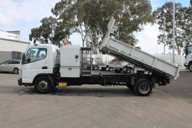 2012 Mitsubishi Canter 915 Fuso 3 Way Tipper White