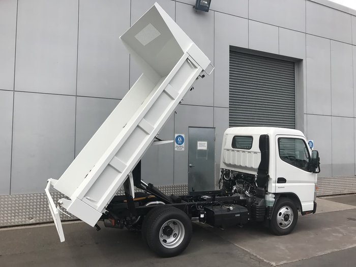 2020 FUSO CANTER 615 TIPPER MANUAL SAFETY PACK null null White