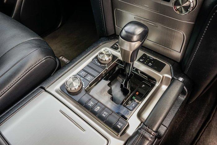 2018 Toyota Landcruiser Sahara VDJ200R 4X4 Dual Range White