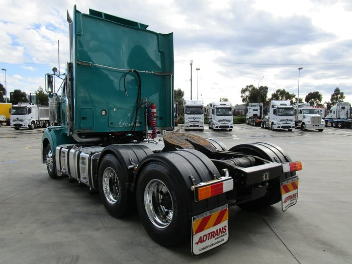2011 WESTERN STAR 4800FX null null GREEN