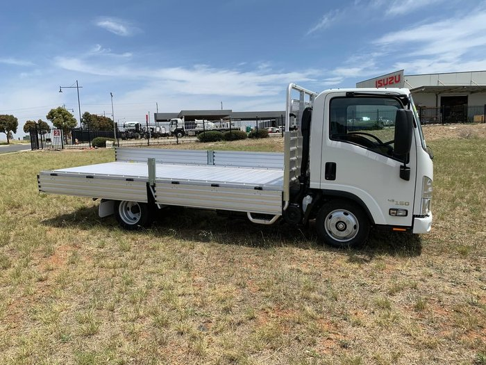 2020 Isuzu NLR 45-150 MWB MANUAL