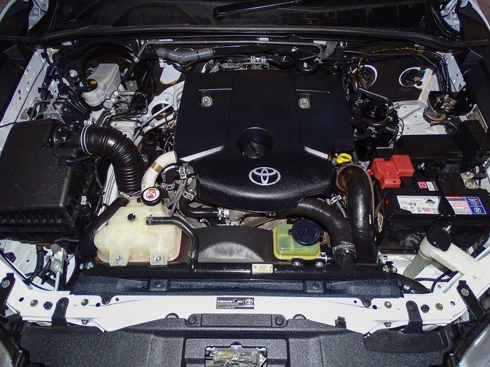2015 Toyota Hilux SR GUN126R 4X4 Dual Range White
