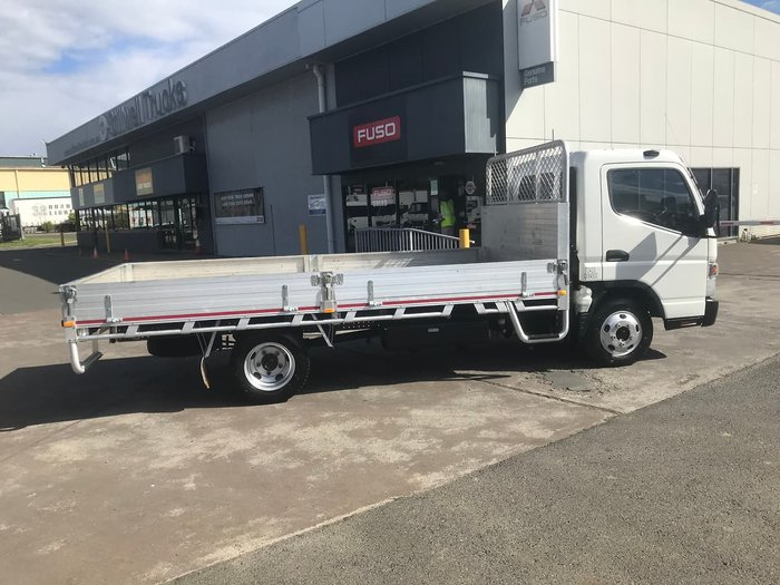 2016 MITSUBISHI CANTER 515 null null WHITE