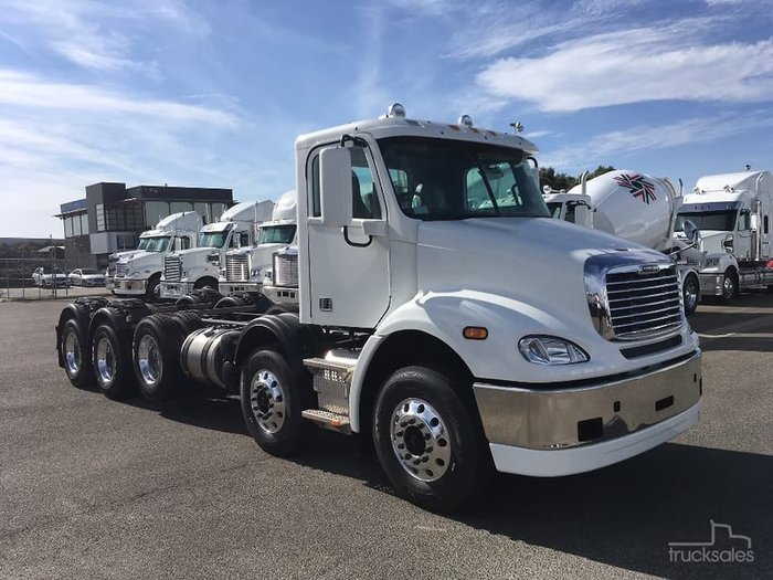 2020 FREIGHTLINER COLUMBIA CL112 10X4 White
