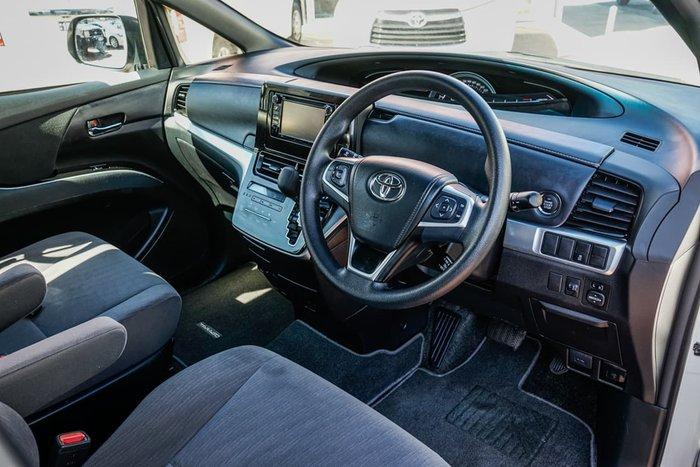 2018 Toyota Tarago GLi ACR50R White