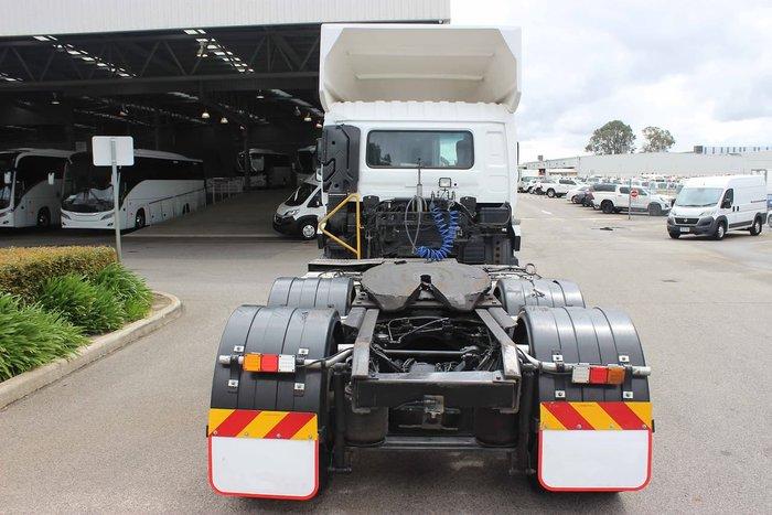 2016 UD GW 26 420HP AUTO WHITE
