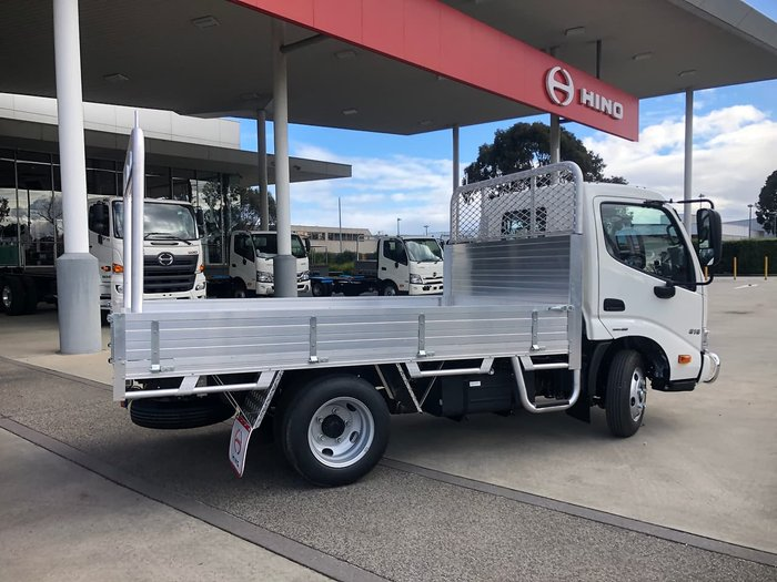 2020 HINO 616 300 SERIES TRADEACE null null White