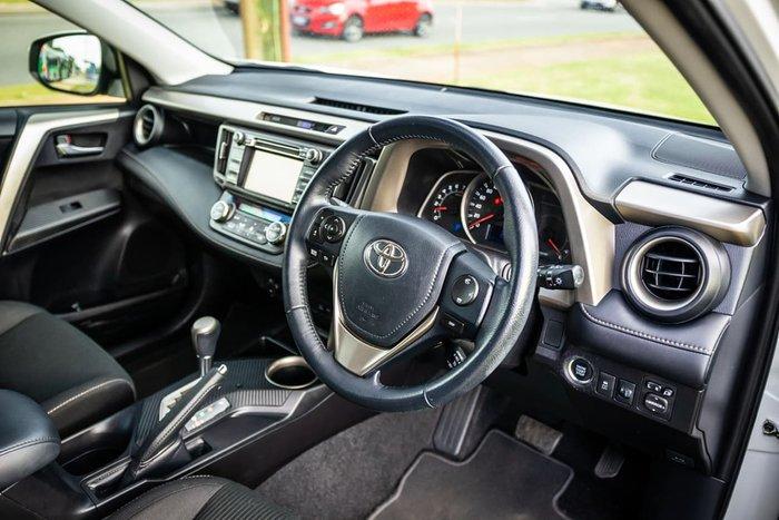 2015 Toyota RAV4 GXL ZSA42R MY14 White