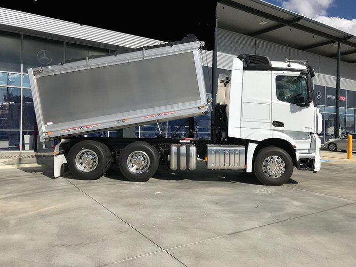 2018 MERCEDES-BENZ ACTROS null null White