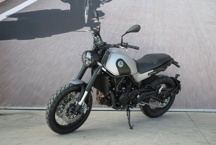 2020 Benelli LEONCINO (ABS) Silver