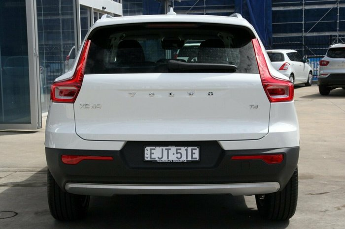 2020 Volvo Xc40 T4 Momentum 2.0L T/P 140kW 8Spd AT Wagon Ice White Solid