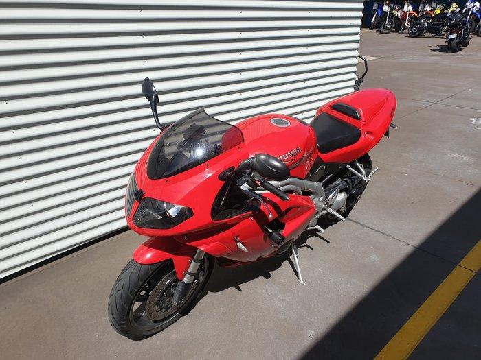2004 Triumph Daytona 955i null Daytona Red