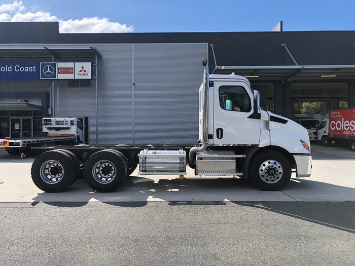2020 FREIGHTLINER CASCADIA 116 DAY CAB null null White