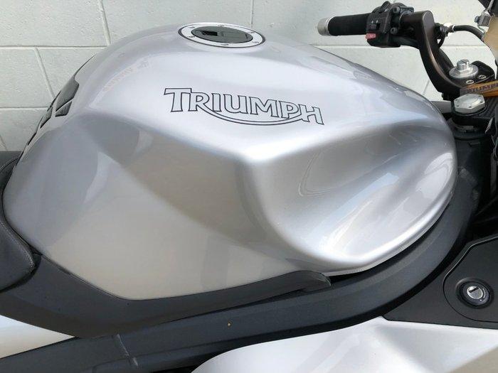 2011 Triumph SPRINT GT Silver