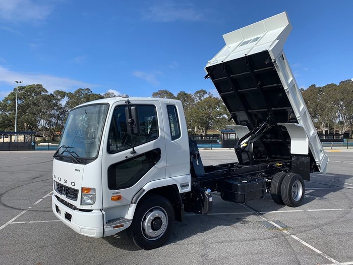 2021 FUSO FIGHTER 1124 White