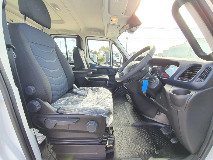 2020 IVECO DAILY 70C21 DUAL CAB 3750MM WHEELBASE null null white