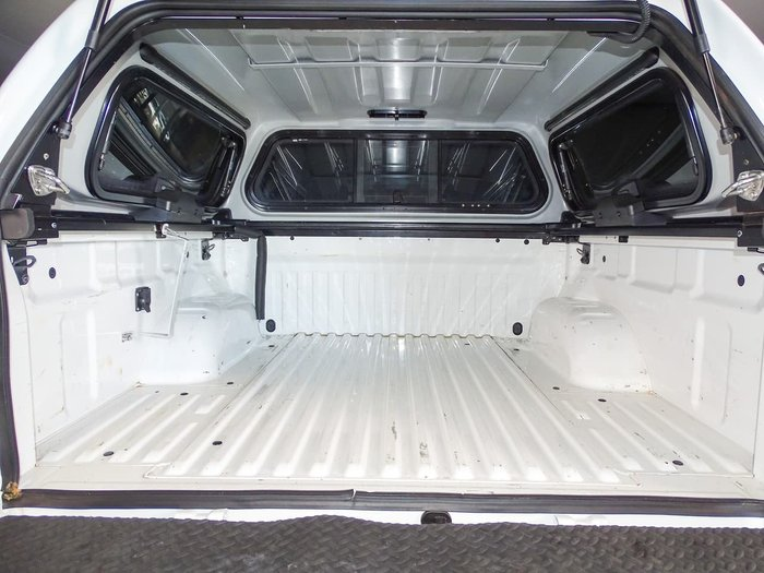 2016 Nissan Navara ST D23 4X4 Dual Range White