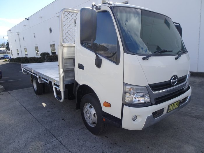 2015 Hino 300 Series White