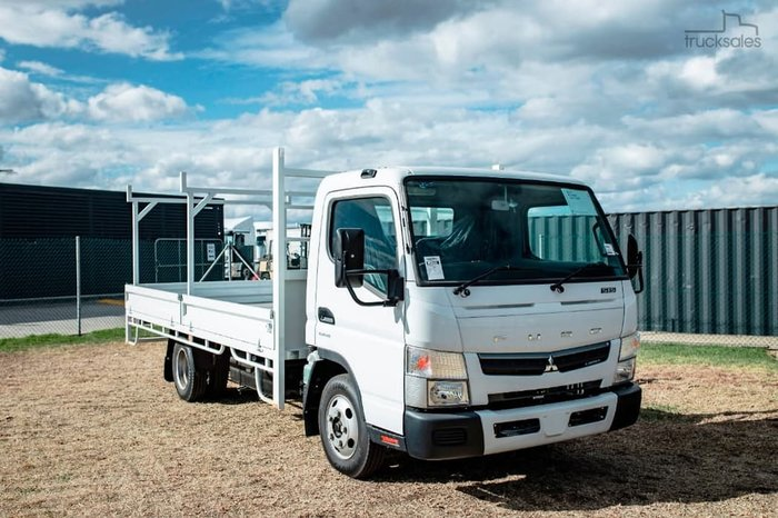 2020 FUSO CANTER 515 DROPSIDE TRAY AUTO null null White