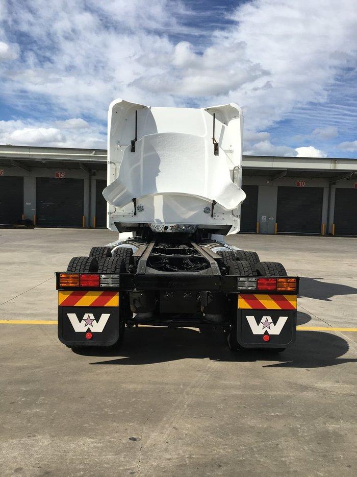2021 WESTERN STAR 5800 White