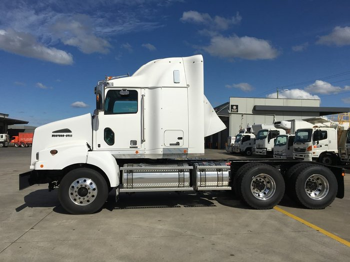 2020 WESTERN STAR 5800 null null White