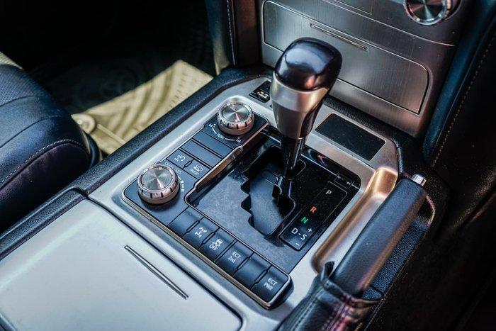 2018 Toyota Landcruiser VX VDJ200R 4X4 Dual Range Silver