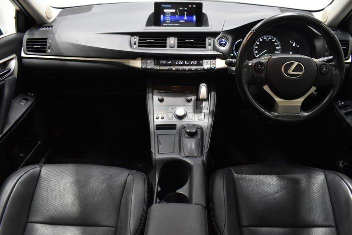 2015 Lexus CT CT200h Luxury ZWA10R White