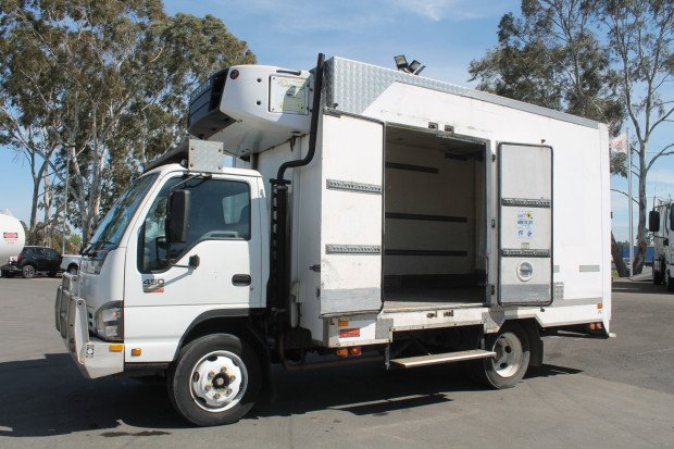 2005 Isuzu NQR450 Medium Fridge Pantech White