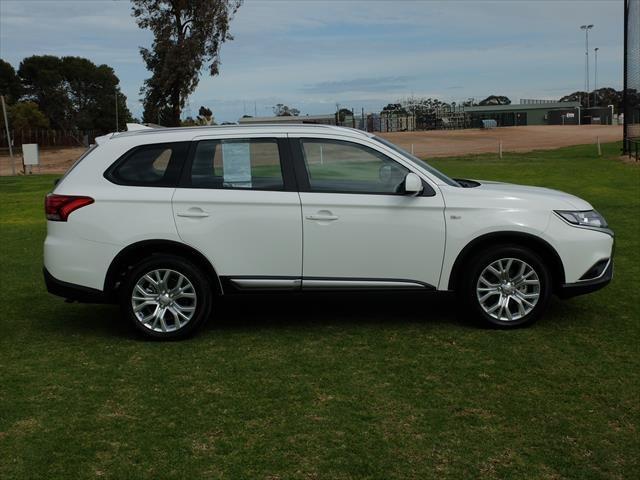 2020 Mitsubishi Outlander ES ZL MY20 4X4 On Demand White