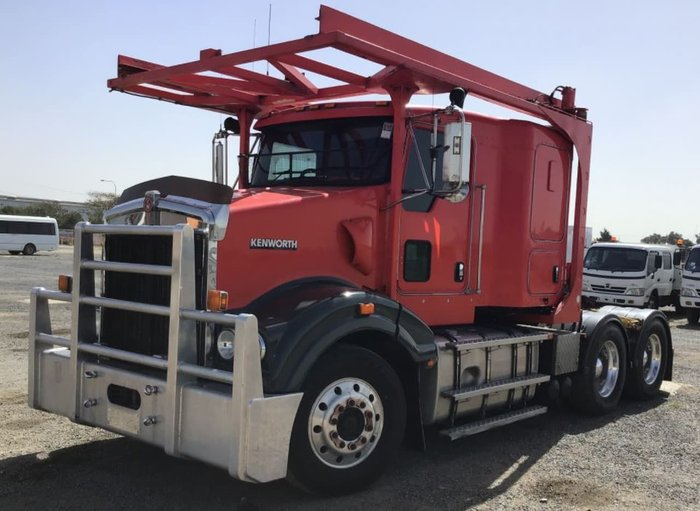 2013 KENWORTH SAR RED