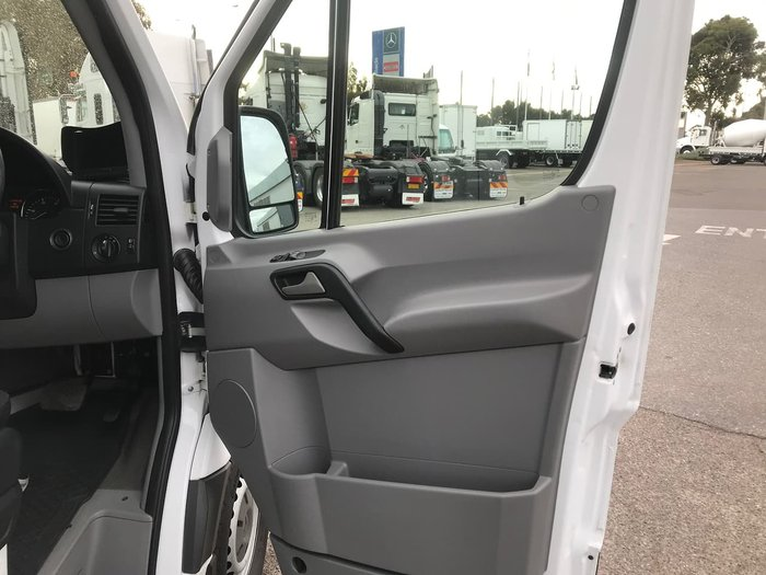 2011 MERCEDES-BENZ SPRINTER 319CDI White