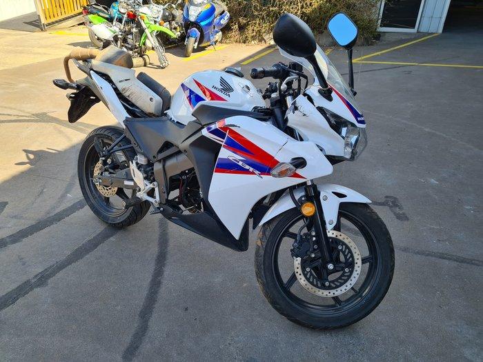 2012 Honda CBR125R CBR Ross White Tricolour, Asteroid Black Metallic or Repsol