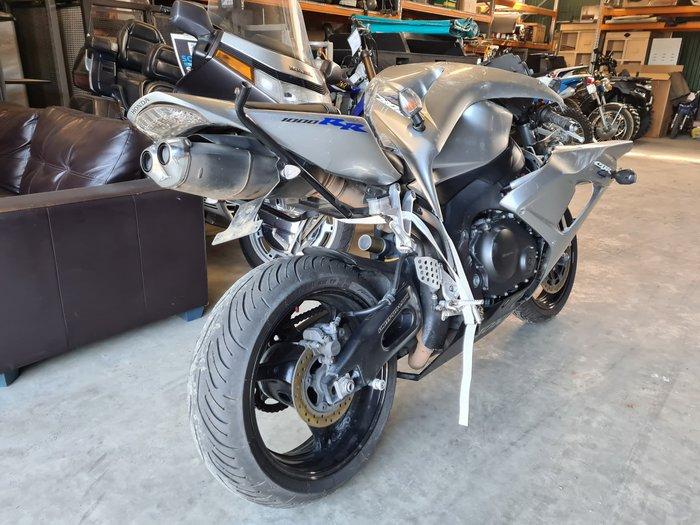 2007 Honda CBR1000RR FireBlade Fireblade Red/ Black; Black