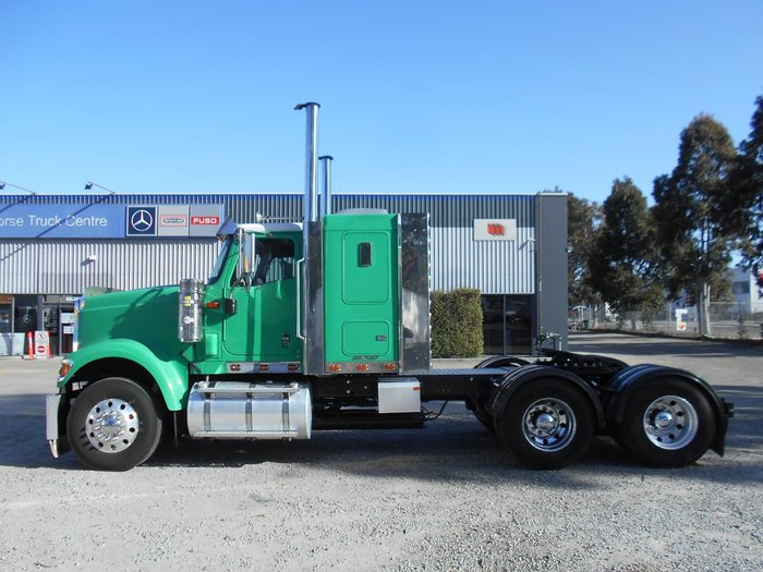 2009 INTERNATIONAL 9900I EAGLE Green