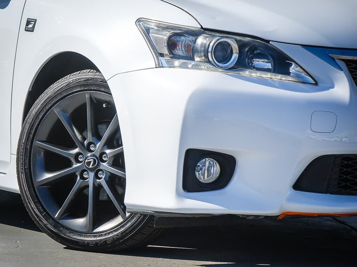2013 Lexus CT CT200h Luxury ZWA10R MY13 White