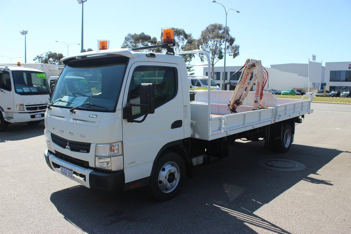 2014 FUSO CANTER WHITE