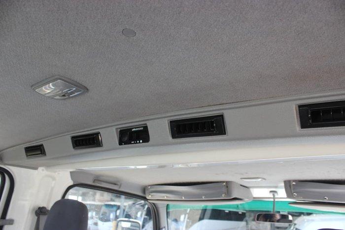 2010 ISUZU NPS 300 4X4 CREW CAB WHITE