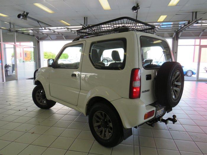14 Suzuki Jimny