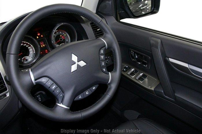 2020 Mitsubishi Pajero