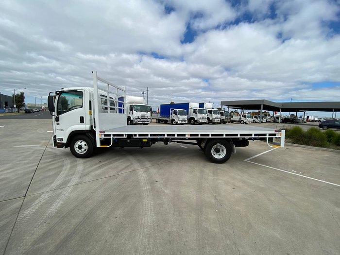 2020 Isuzu FRR 107-210 White