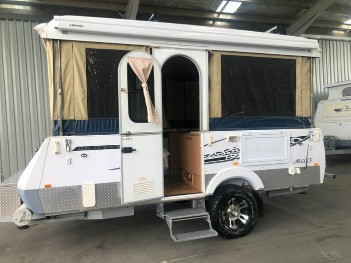 2014 GOLF CHALLENGER CAMPER TRAILER WHITE