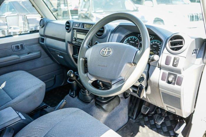 2015 Toyota Landcruiser GXL VDJ79R 4X4 Dual Range White